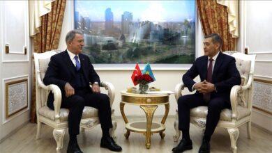 صورة وزير الدفاع التركي يؤكد مواصلة التعاون الدفاعي مع كازاخستان