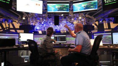 صورة كيف يمتد التنافس القائم بين الصين وروسيا والولايات المتحدة إلى القمر