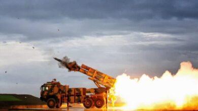 صورة صاروخ TRG-300 KAPLAN تركي الصنع في طريقه إلى بنغلادش