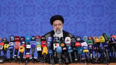 صورة رئيسي: سياستنا الخارجية لن تتقيد بالاتفاق النووي