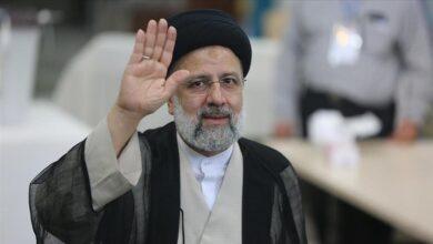 """صورة المرشح المحافظ""""ابراهيم رئيسي"""" رئيسا جديدا لإيران """