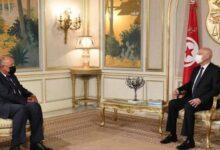صورة وزير خارجية مصر يزور تونس ويؤكد دعم السيسي لإجراءات قيس سعيد