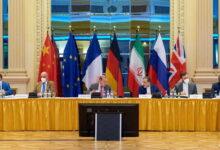 صورة صحيفة: لماذا تؤخر إيران العودة إلى المحادثات النووية؟